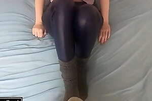 Little stepsister gives amazing footjob for new year