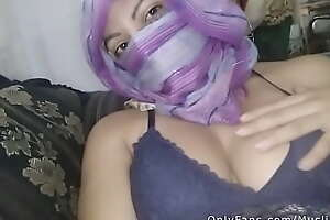 Amateur Arab Mommy الجنس زوجة In Hijab Squirting And Playing With Pussy To Orgasm HARD