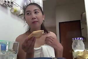 Nat agogo eats a simple breakfast after relieving her bladder
