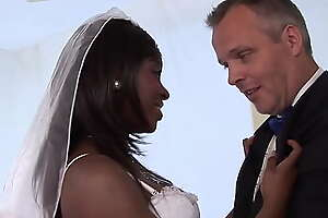 Best men fucking his friends ebony bride in the ass