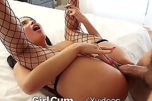 GIRLCUM Maid Provides Various Intense Orgasm In Both Holes