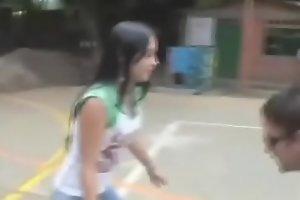 JOVENCITA apuesta su Vigen CULO por unas ensestadas /// Video completo --&gt_  short.pe/hO0xS