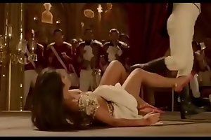 (Part 2) Indian actress Katrina Kaif hot bouncing boobs cleavage navel legs thighs blouse with Aamir Khan in Thugs of Hindostan song Suraiyya edit zoom slow motion