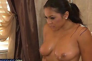 Bigtits asian masseuse gets pussylicked