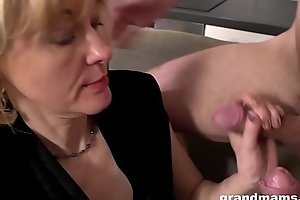 Granny Pegging young guy after sucking dicks in threesome