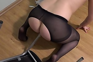 A leg of a chair in anal and a leg of a chair in a hairy pussy, a girl with a beautiful ass and a violent fantasy masturbates.