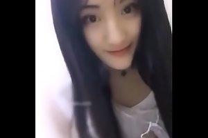 Cute Chinese Cam Model