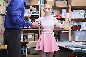 Kleptomaniac perky teen blonde just cant help herself