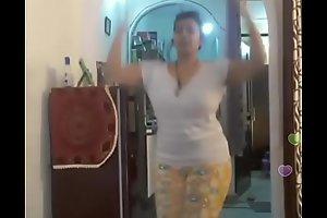 Hot desi indian bhabi stirring up their way sexi arse &_boobs first of all bigo live...2