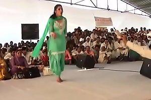 इसी डांस की वजह से सपना हुई थी हिट ! Sapna choudhary first hit dance HIGH