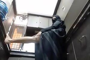 indian muslim aunty teasing legs