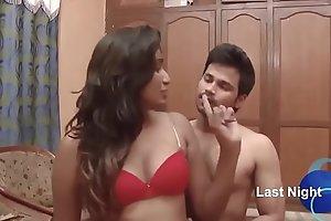 Sexy Swathi naidu having romance with neighbour