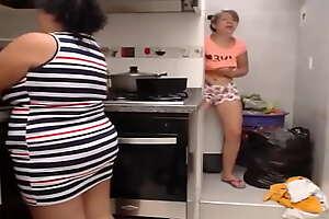Madre pilla a su hij4 masturbandose en webcam con su amiga mas videos aqui https://escueladepadres24122020.blogspot.com/